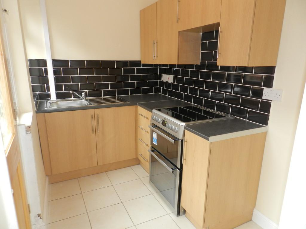3 Bedrooms End Of Terrace House for sale in Salisbury Road, Preston
