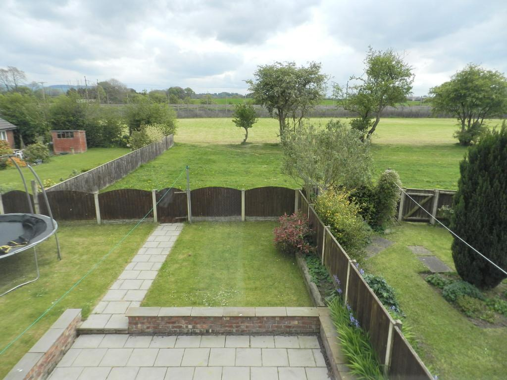 3 Bedrooms Semi Detached House for sale in Sycamore Road, Bilsborrow