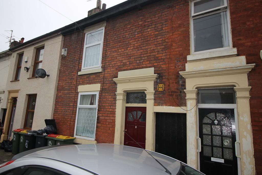 2 Bedrooms Terraced House for sale in Plevna Road, Preston