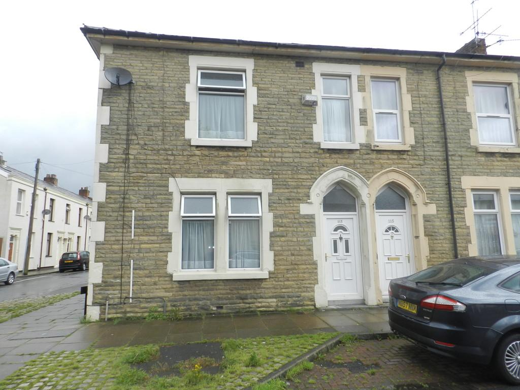 3 Bedrooms End Of Terrace House for sale in Fishwick Parade, Preston