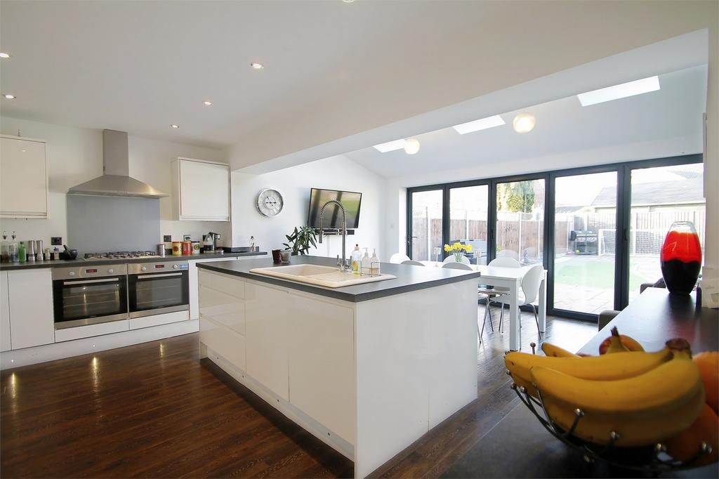 4 Bedrooms Semi Detached House for sale in Brune Lane, Gosport, Hampshire
