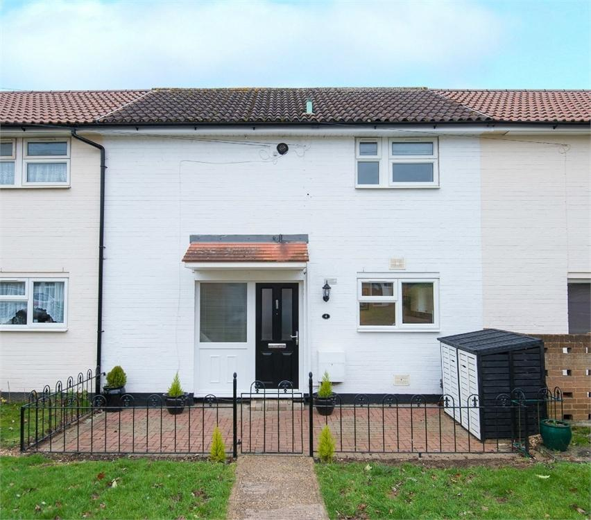 2 Bedrooms Terraced House for sale in Ruckles Close, Stevenage, Herts