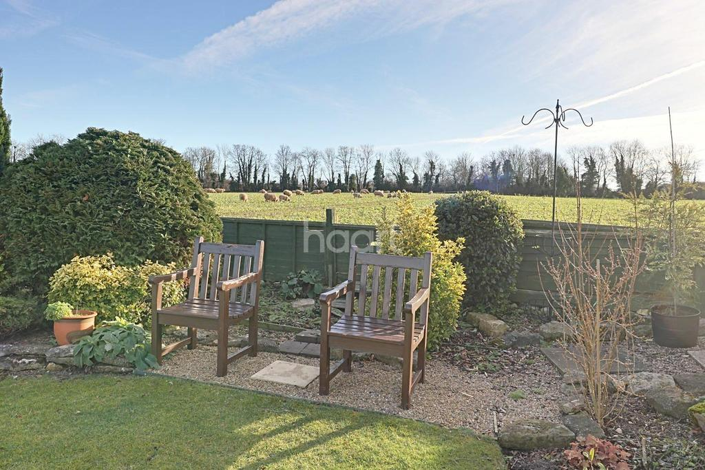 3 Bedrooms Bungalow for sale in Flaminian Way, Ancaster