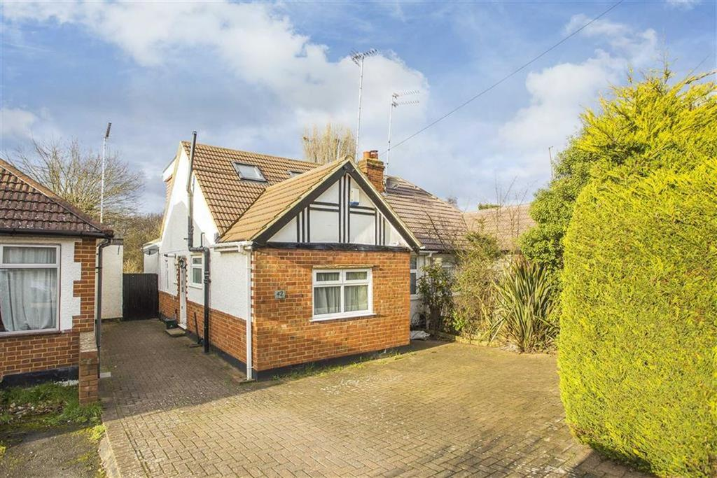 4 Bedrooms Semi Detached Bungalow for sale in Woodville Gardens, Ruislip, Middlesex