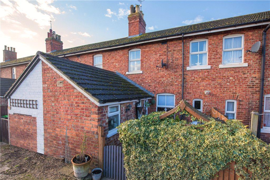 3 Bedrooms Unique Property for sale in Railway Cottages, Station Road, Oakley, Bedford