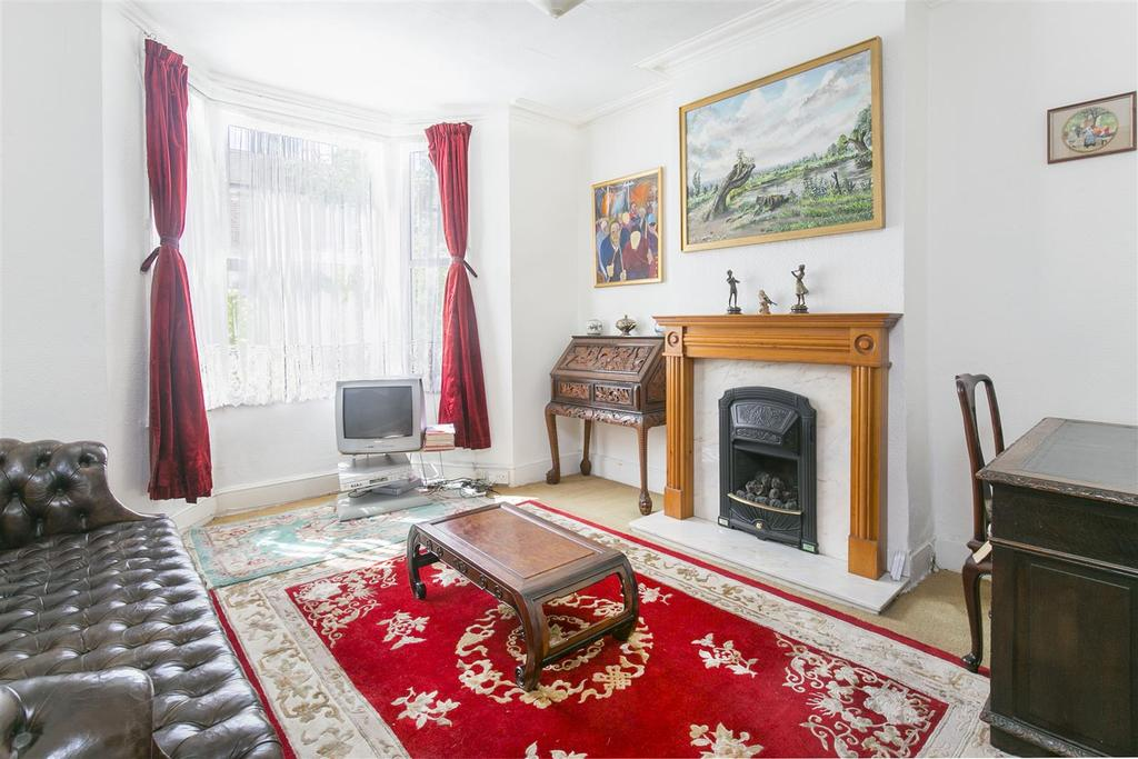 3 Bedrooms Terraced House for sale in Ellora Road, Streatham, SW16