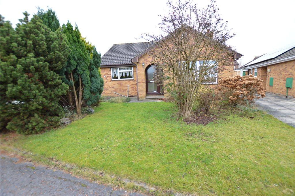 3 Bedrooms Detached Bungalow for sale in Bamburgh Close, Leeds, West Yorkshire