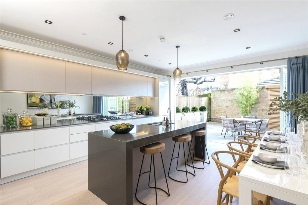 5 Bedrooms Terraced House for sale in Fitzroy Gate, Richmond Road, Old Isleworth, Middlesex, TW7