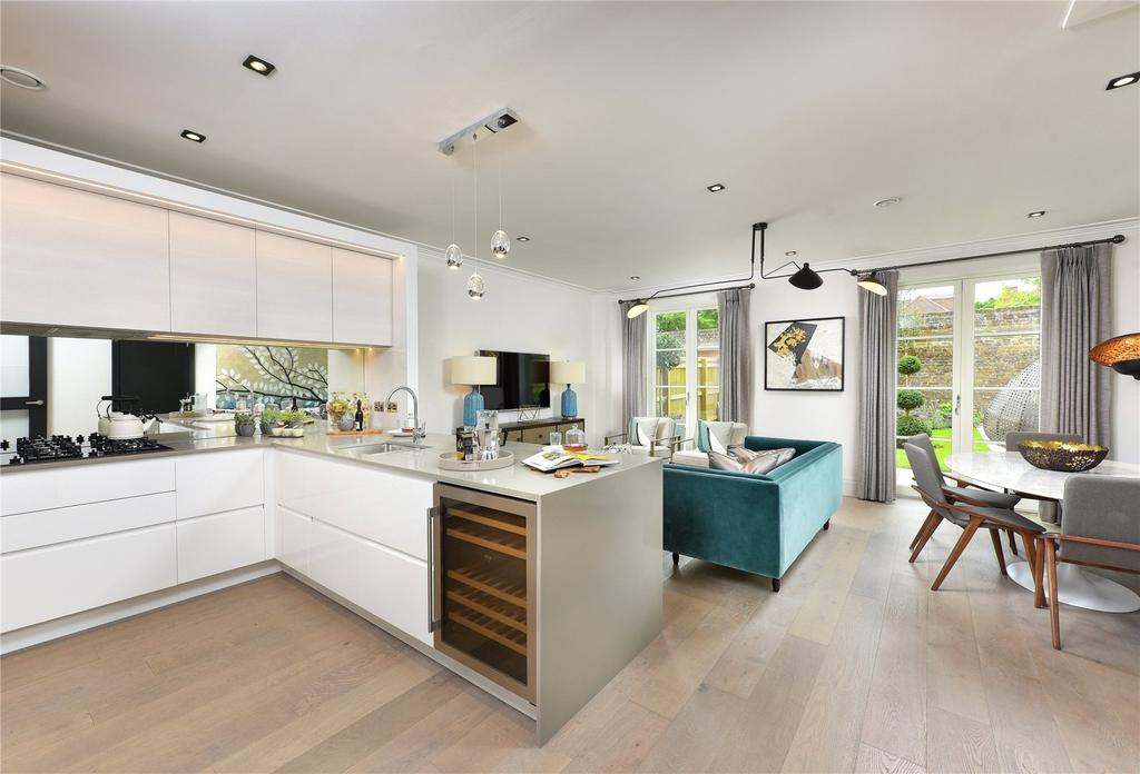 4 Bedrooms End Of Terrace House for sale in Fitzroy Gate, Richmond Road, Old Isleworth, Middlesex, TW7