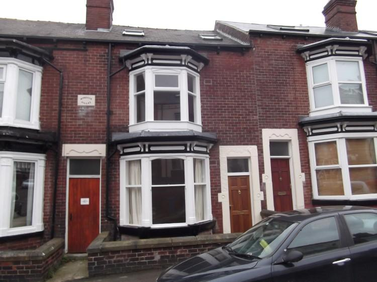 3 Bedrooms Terraced House for rent in 43 Roach Road Ecclesall S11 8UA