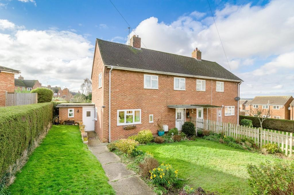 3 Bedrooms Semi Detached House for sale in Victory Road, Steeple Claydon