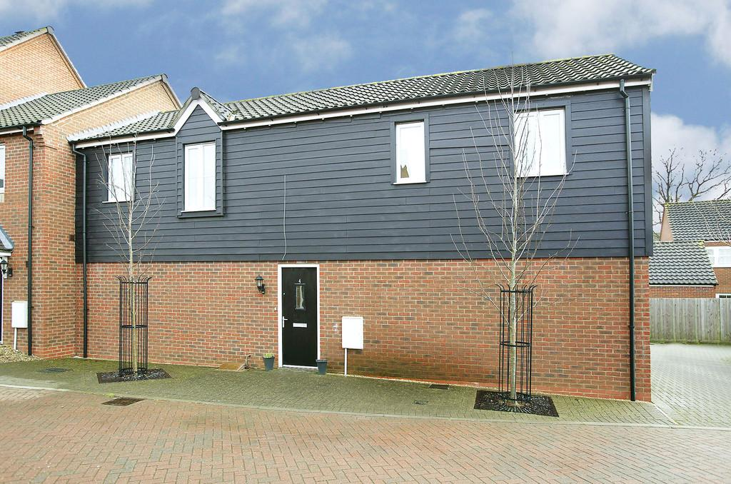 2 Bedrooms Apartment Flat for sale in Woodpecker Lane, Cringleford