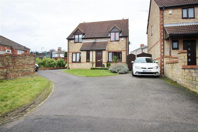 2 Bedrooms Semi Detached House for sale in Hemmingway Close , Treeton, Sheffield , S60 5RY