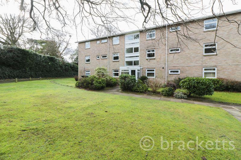 3 Bedrooms Apartment Flat for sale in Shrublands Court, Sandrock Road, Tunbridge Wells