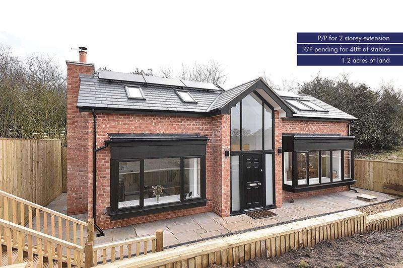 2 Bedrooms Detached House for sale in Detached House with P.P for two story extension, Moss Lane, Mobberley