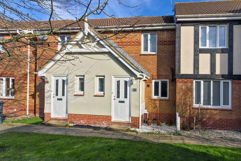 2 Bedrooms Terraced House for sale in Squadron Drive, Worthing