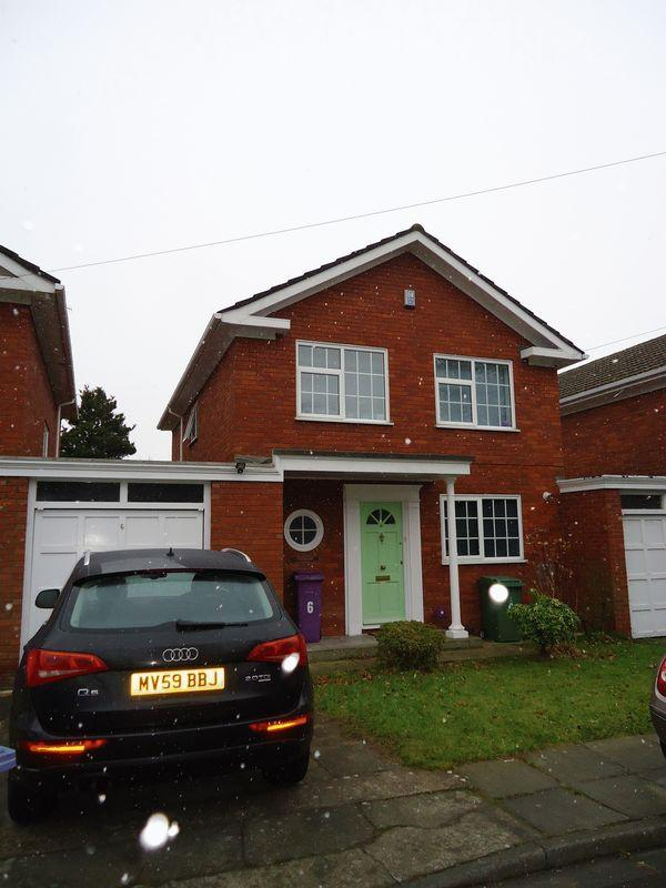 3 Bedrooms Detached House for rent in Alma Road, Liverpool