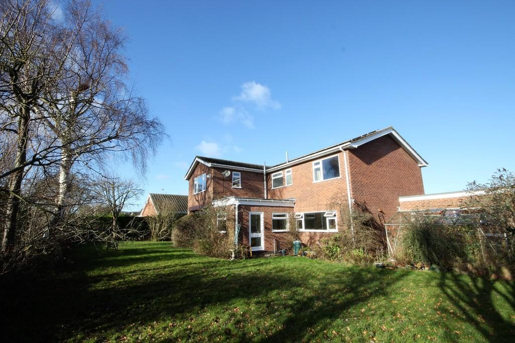 4 Bedrooms Detached House for sale in Foredrift Close, Gotham