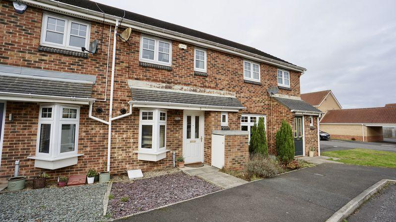 2 Bedrooms Terraced House for sale in Thirlwall Court, Longbenton