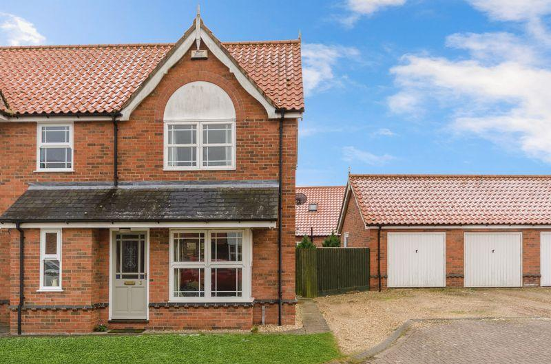 2 Bedrooms Semi Detached House for sale in Barley Way, Horncastle