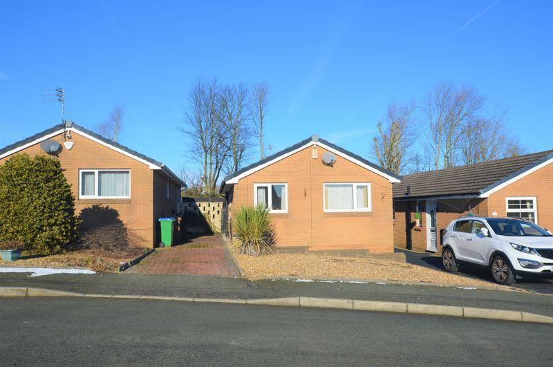 2 Bedrooms Detached Bungalow for sale in Dew Meadow Close, Rochdale