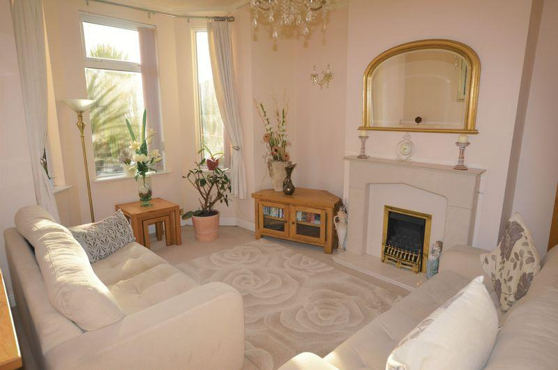 2 Bedrooms Terraced House for sale in Heywood Road, Rochdale