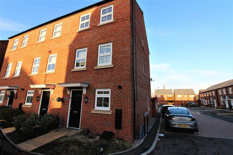 4 Bedrooms Town House for sale in Arnhem Way, Chester