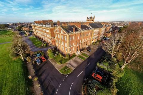 6 bedroom terraced house for sale - 6 Bedroom Graded II Listed Seafront Property - Royal Gate, Southsea