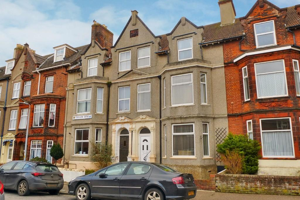 5 Bedrooms Terraced House for sale in Cromer