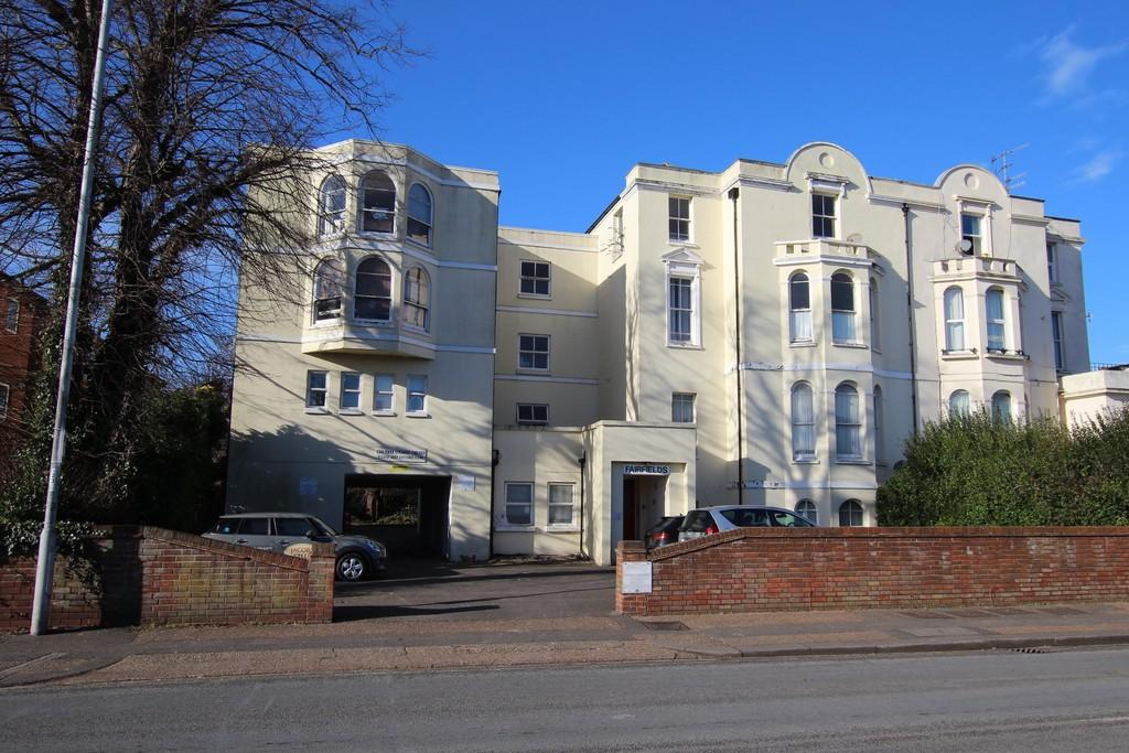 1 Bedroom Flat for sale in Fairfields Broadwater Road, Worthing, BN14 8AD