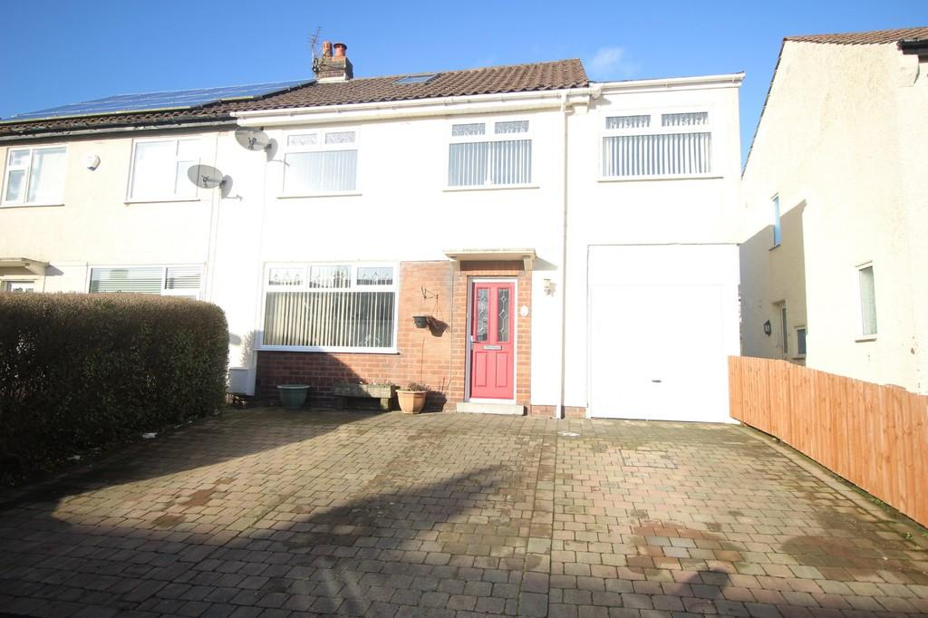 4 Bedrooms Semi Detached House for sale in Ashwood Road, Fulwood