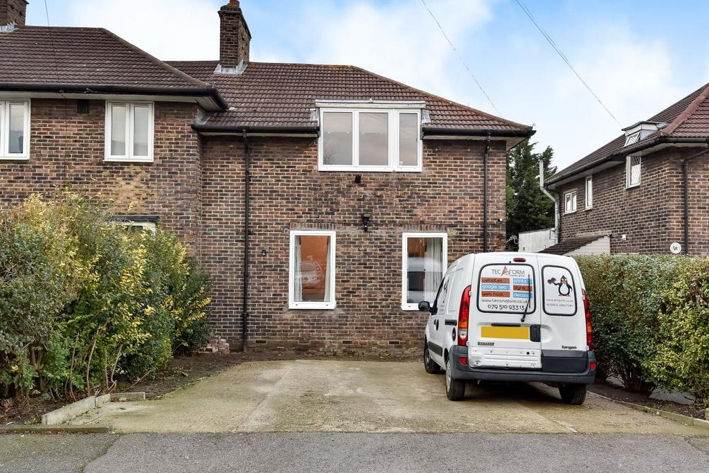 3 Bedrooms Semi Detached House for sale in Adolf Street, Catford
