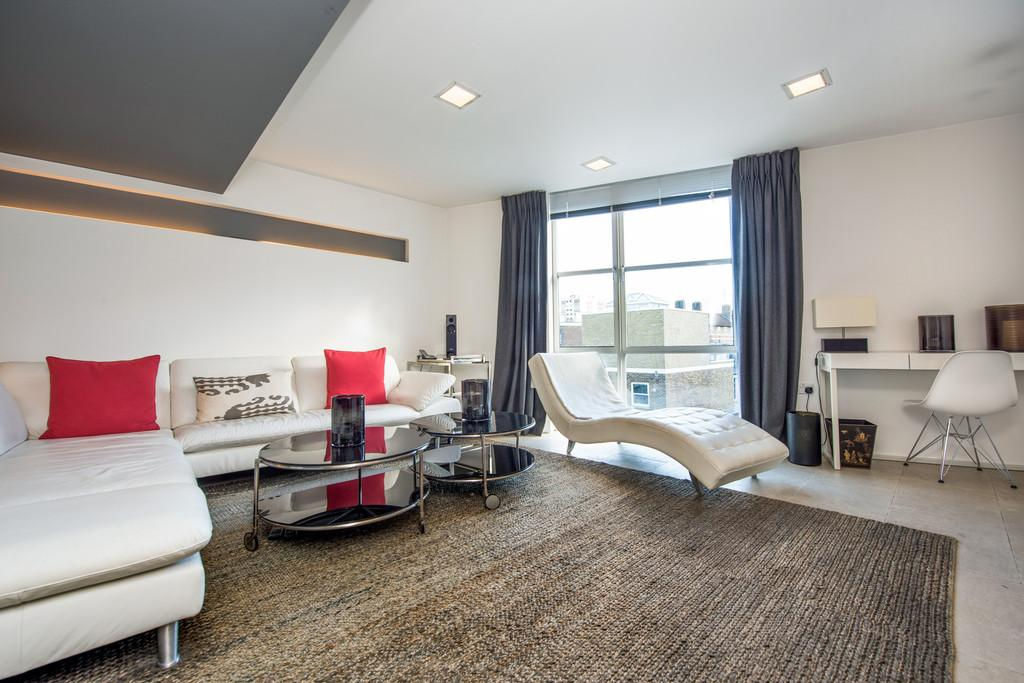 2 Bedrooms Apartment Flat for sale in Pear Tree Street, EC1V 3SB