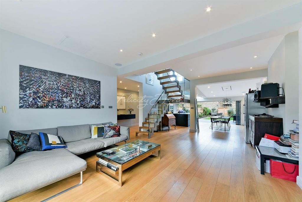4 Bedrooms Terraced House for sale in Buckingham Road, De Beauvior, N1