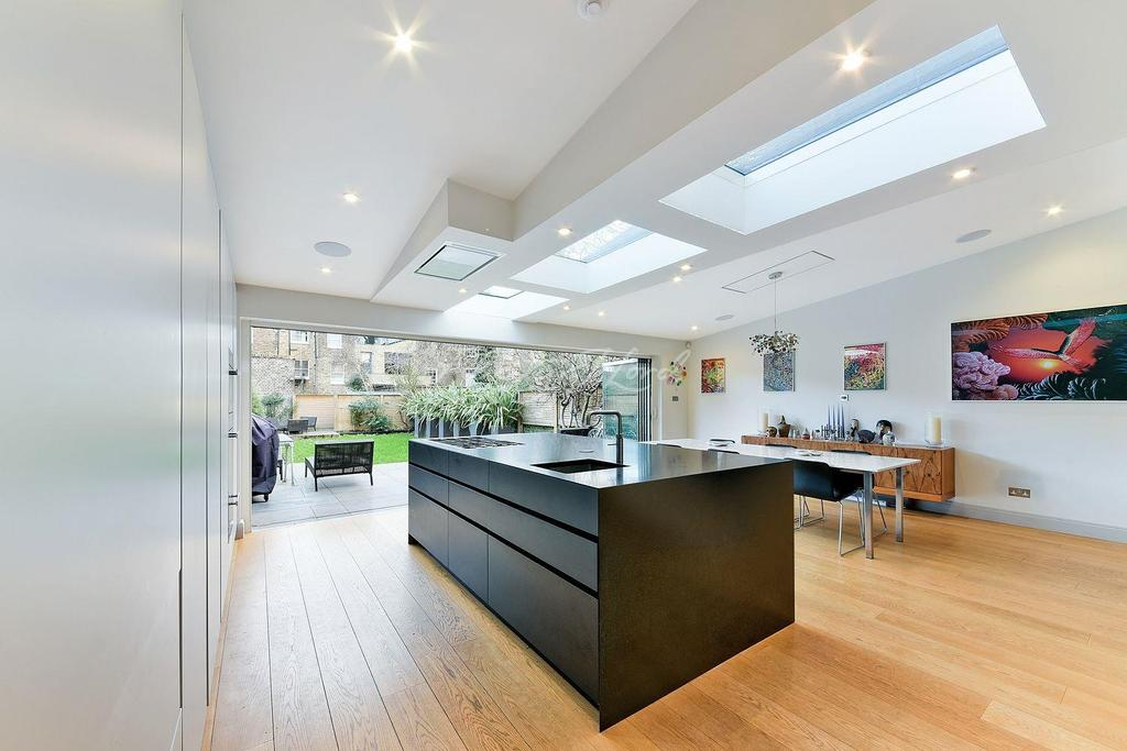 4 Bedrooms Terraced House for sale in Buckingham Road, De Beauvior, N1