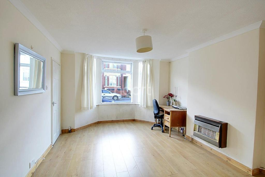1 Bedroom Flat for sale in Bury Park Apartment