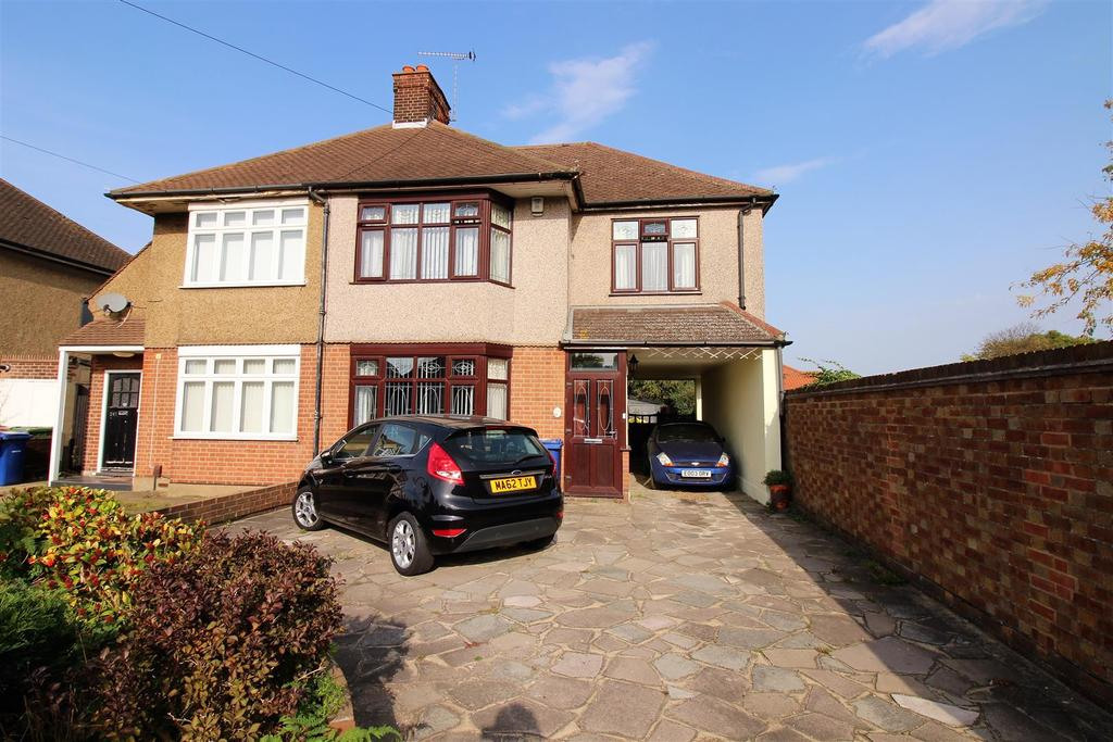 3 Bedrooms Semi Detached House for sale in Long Lane, North Grays
