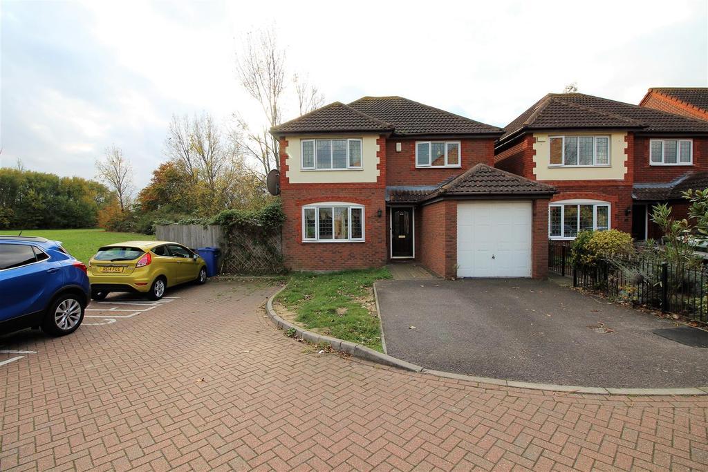 4 Bedrooms Detached House for sale in Medlar Drive, Brandon Groves, South Ockendon