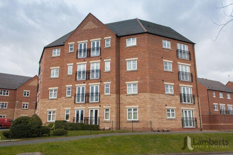 2 Bedrooms Apartment Flat for sale in Alder Carr Close, Greenlands, Redditch