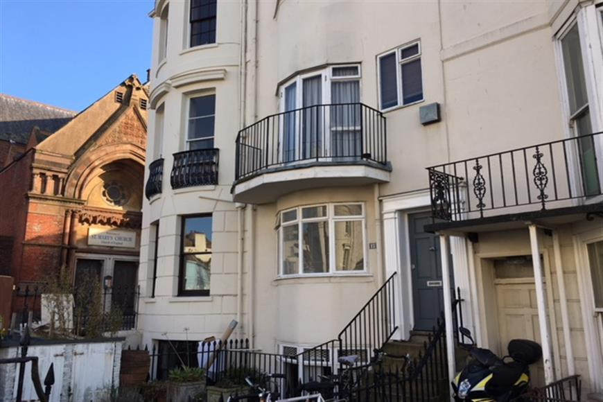 1 Bedroom Ground Flat for sale in Lower Rock Gardens, Brighton, East Sussex
