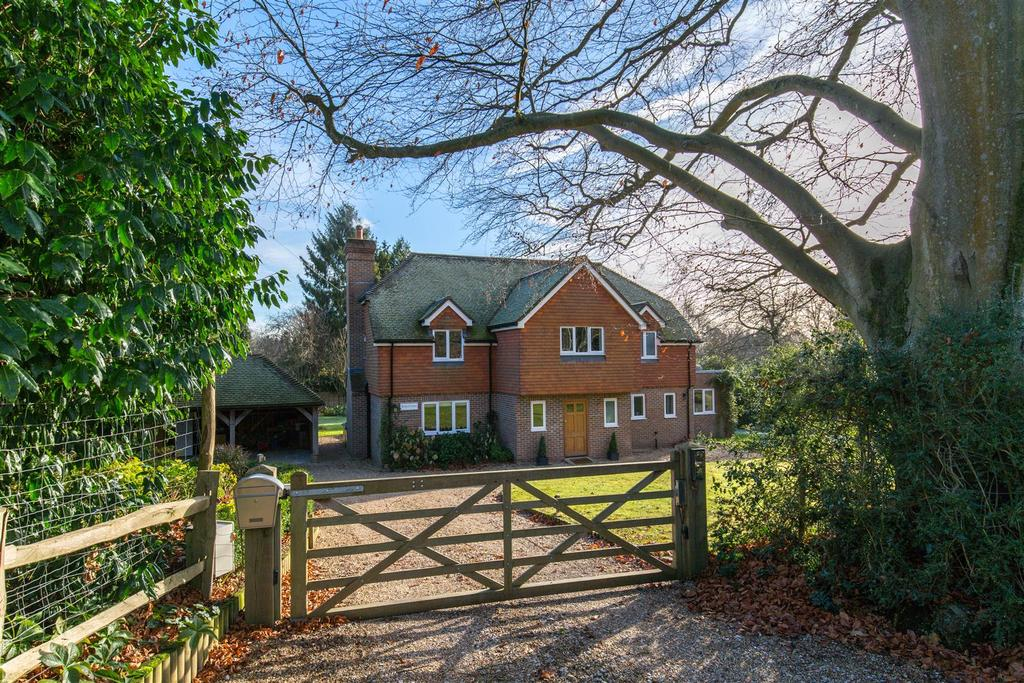 5 Bedrooms Detached House for sale in The Drive, Maresfield, Uckfield