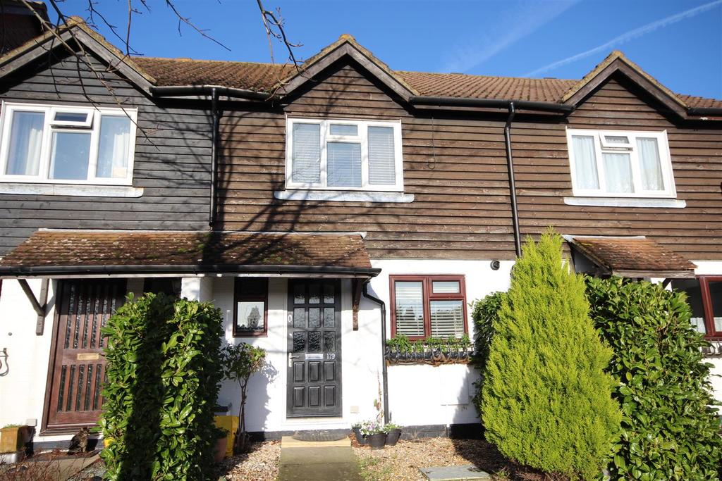 4 Bedrooms Terraced House for sale in Ridgewood