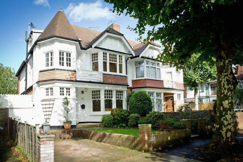 5 Bedrooms Semi Detached House for sale in Arden Road, Finchley N3