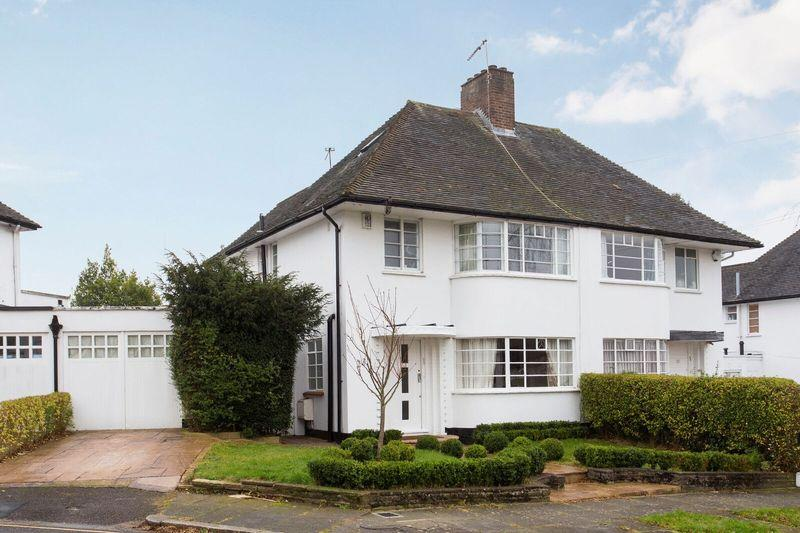 4 Bedrooms Semi Detached House for sale in Howard Walk, Hampstead Garden Suburb, N2