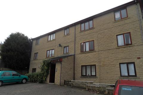 2 bedroom flat to rent - Flockton Avenue, BD4