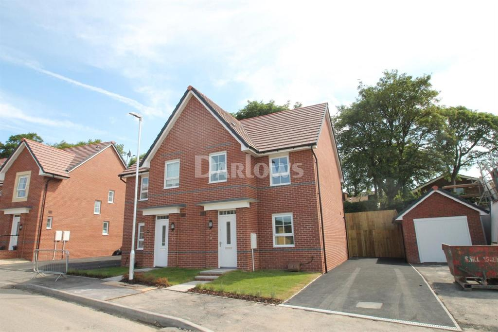 3 Bedrooms Semi Detached House for sale in John Jobbins Way, Pontypool