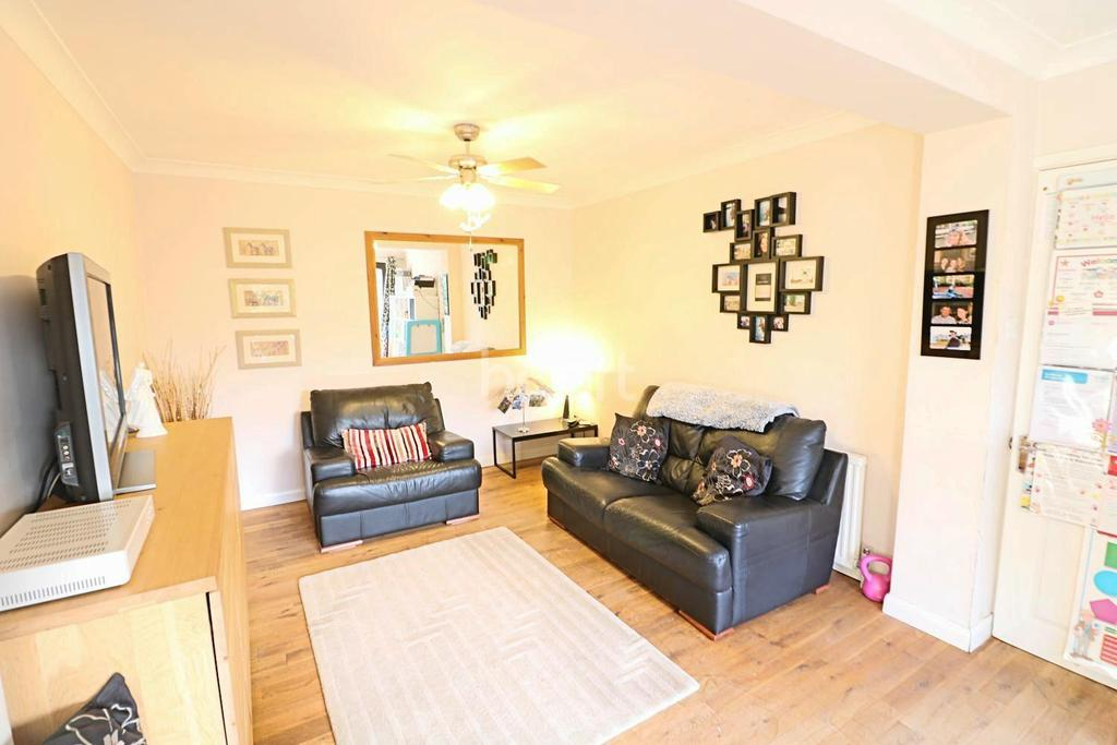 3 Bedrooms Semi Detached House for sale in Blackamoor Lane