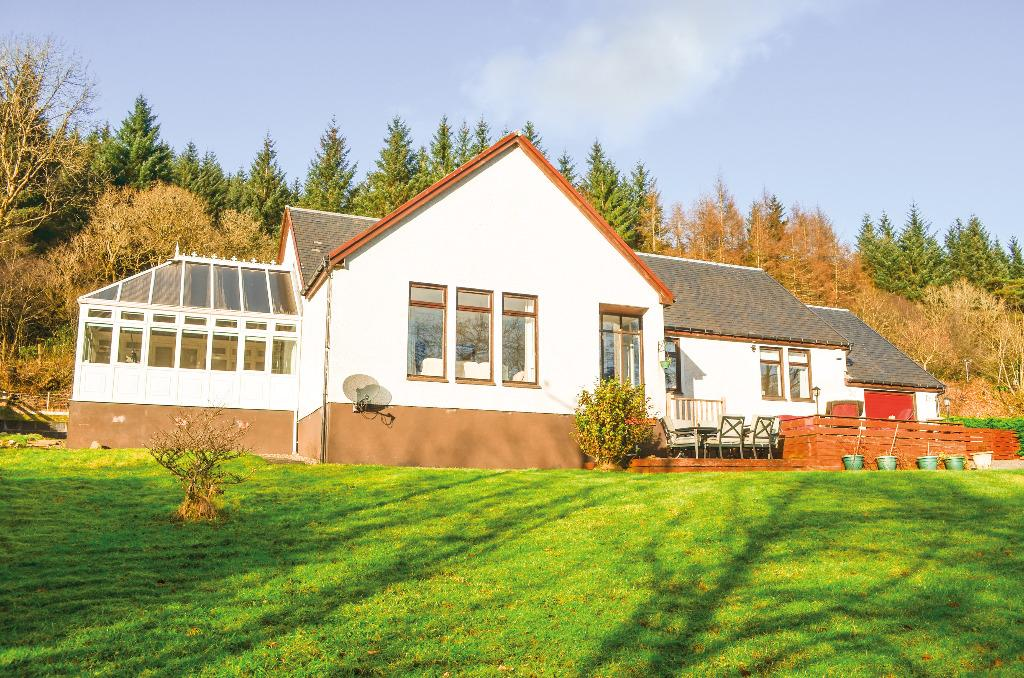 4 Bedrooms Detached Bungalow for sale in Station Road, Tarbet, Argyll Bute, G83 7DA
