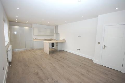 2 bedroom apartment to rent - Woodside Park Road, London, N12