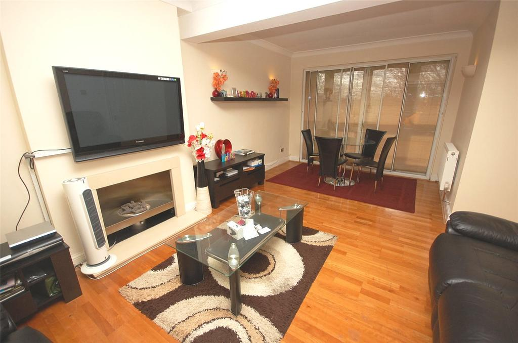 3 Bedrooms Apartment Flat for sale in Abbey Court, Clandon Gardens, Finchley, London, N3